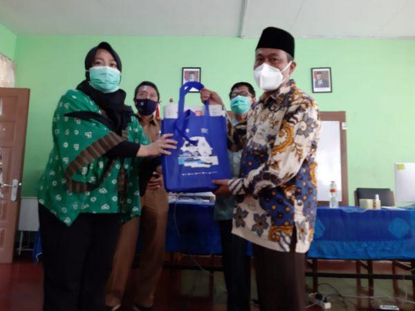 SMA Almuttaqin Dan LIPI Gelar Pelatihan Karya Ilmiah Remaja